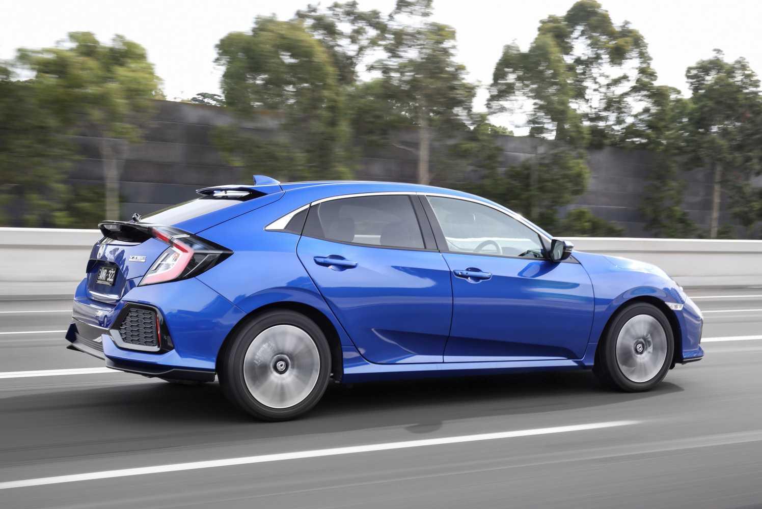 2017 Honda Lineup >> 2017 Honda Civic Hatch Joins The Lineup Carconversation